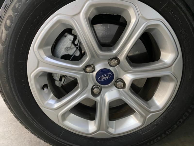 Ford EcoSport SE 2018 price $15,700