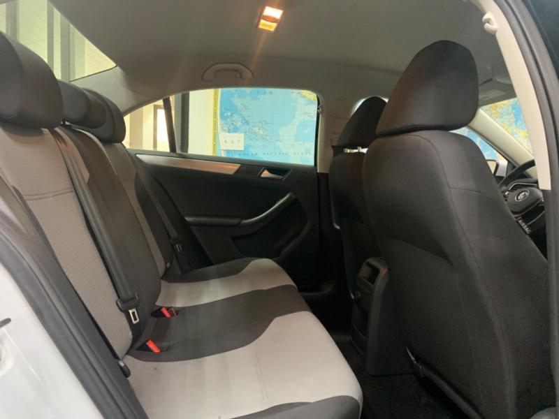 Volkswagen Jetta 1.4T S 2017 price $12,900
