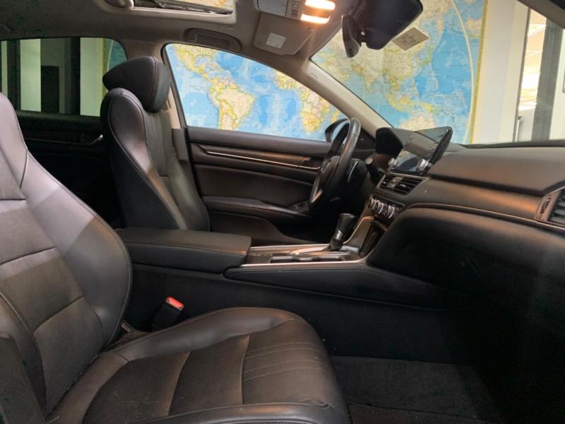 Honda Accord Touring 2018 price $25,800