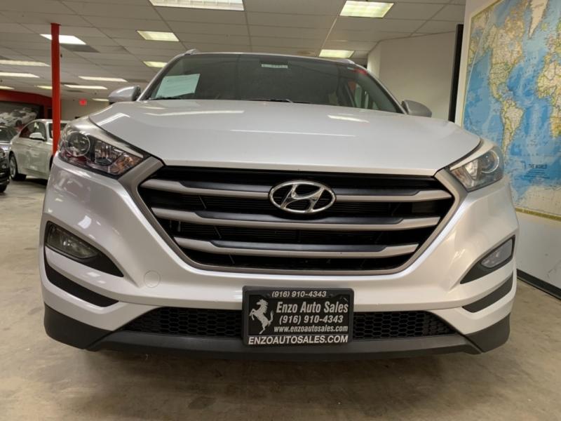 Hyundai Tucson SE 2016 price $14,900