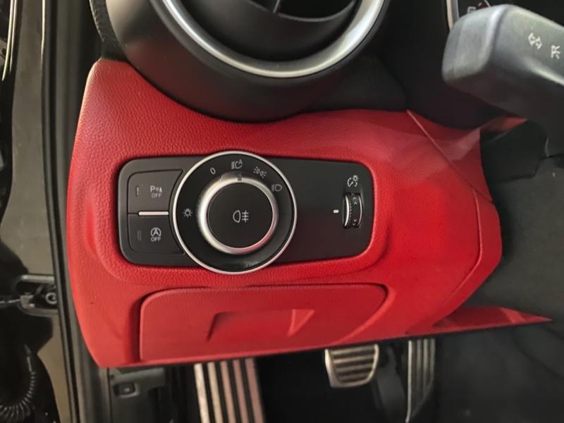 Alfa Romeo Giulia 2017 price $25,900
