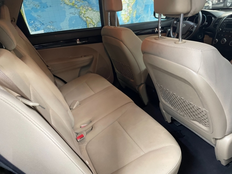 Kia Sorento LX 2012 price $8,800
