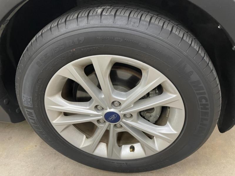 Ford Escape SE 2017 price $13,500