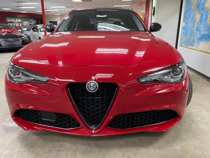 Alfa Romeo Giulia Sport 2018 price $27,000