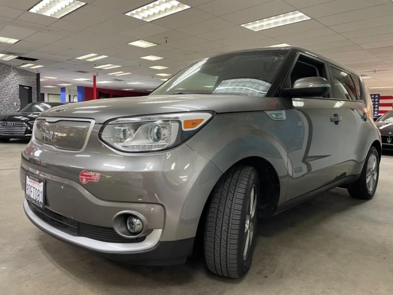 Kia Soul EV + 2018 price $18,900