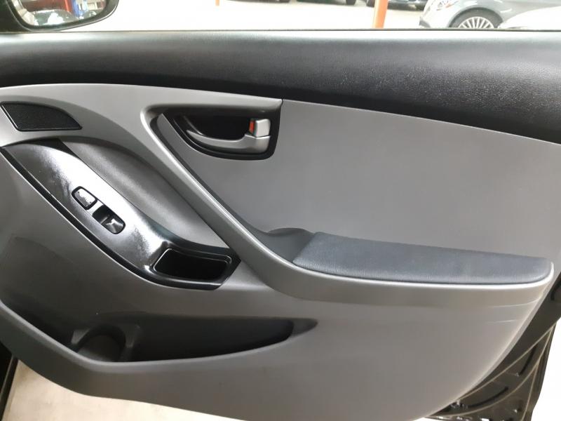 Hyundai Elantra SE 2015 price $12,500