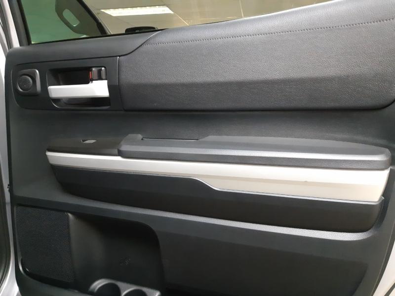 Toyota Tundra CrewMax SR5 4WD 2017 price $48,000