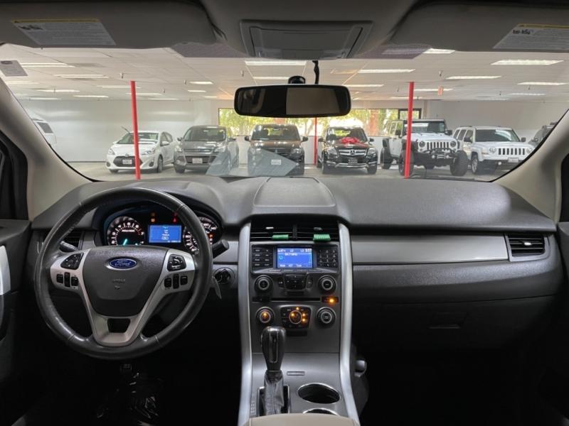Ford Edge SEL AWD 2012 price $10,200