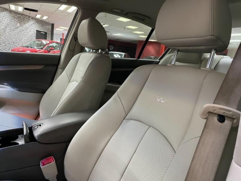 Infiniti G37Journey 2012 price $14,000