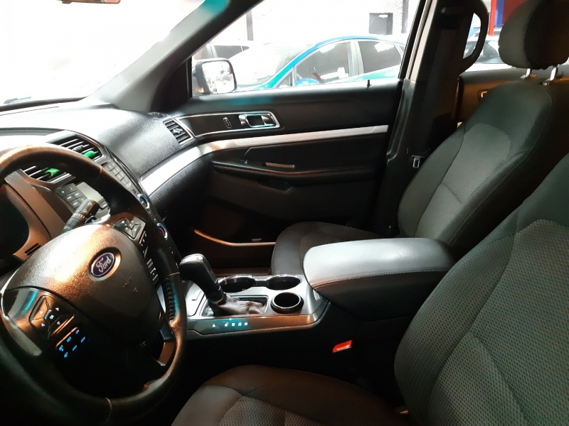 Ford Explorer XLT 2016 price $26,000