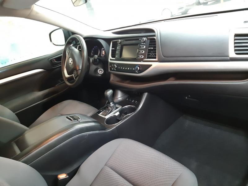 Toyota Highlander LE AWD 2018 price $30,700