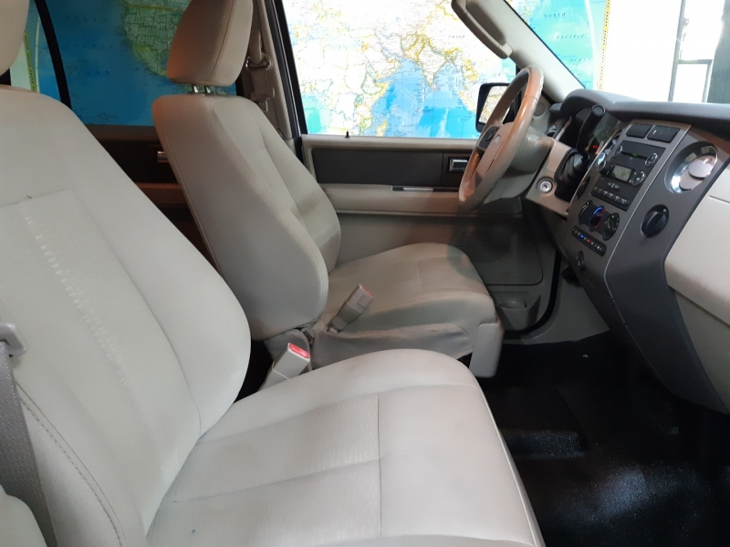Ford Expedition XLT 4WD 2010 price $15,900
