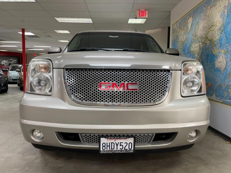 GMC Yukon Denali AWD 2008 price $17,900