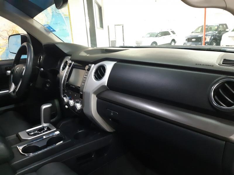 Toyota Tundra Crew Max SR5 2017 price $40,900