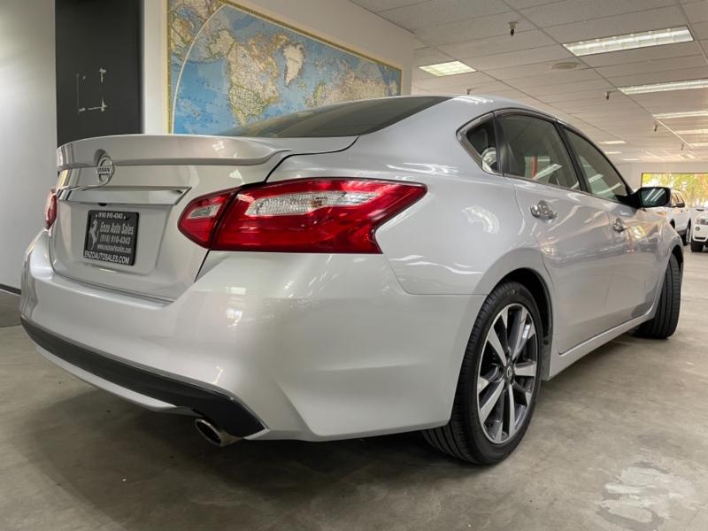 Nissan Altima 2.5 SR 2016 price $10,500