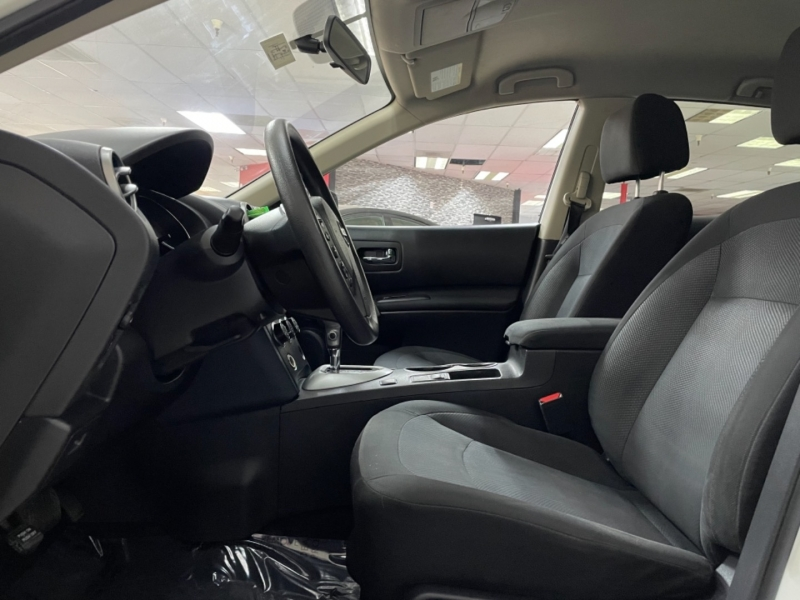 Nissan Rogue Select S Sport 2015 price $11,900