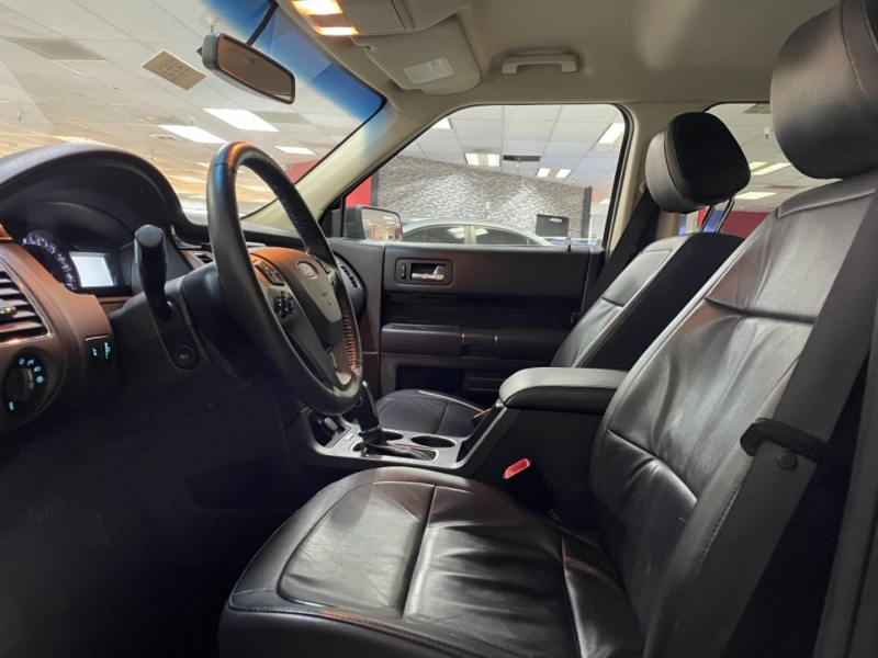 Ford Flex SEL 2019 price $29,500