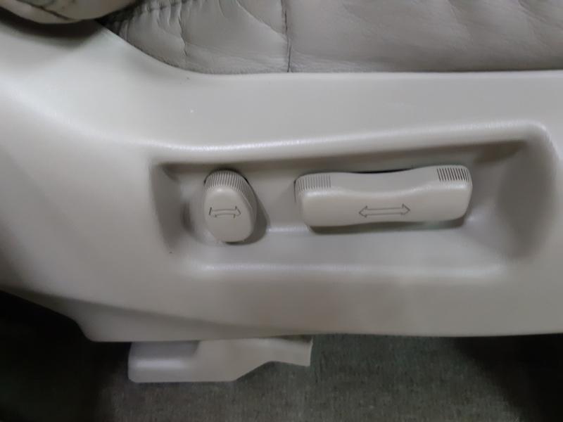 Infiniti QX4 4WD 1999 price $5,500
