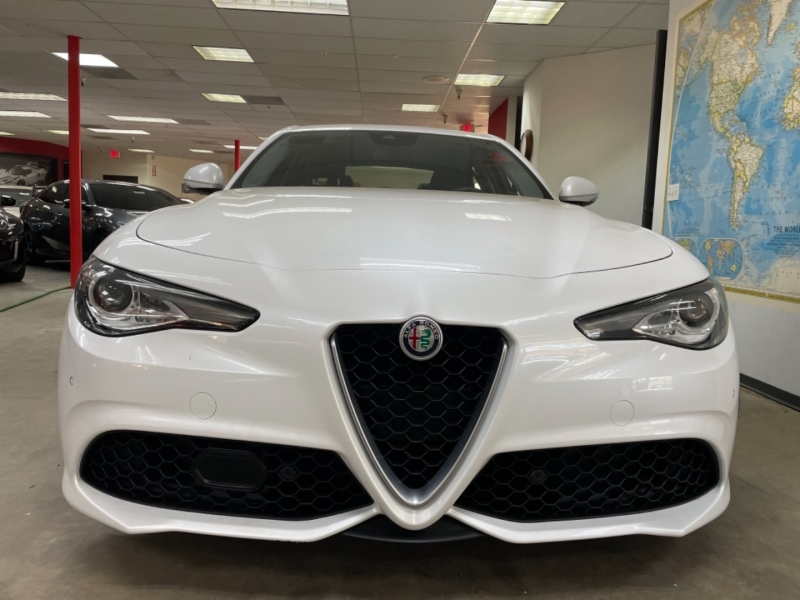 Alfa Romeo Giulia Ti 2017 price $31,900