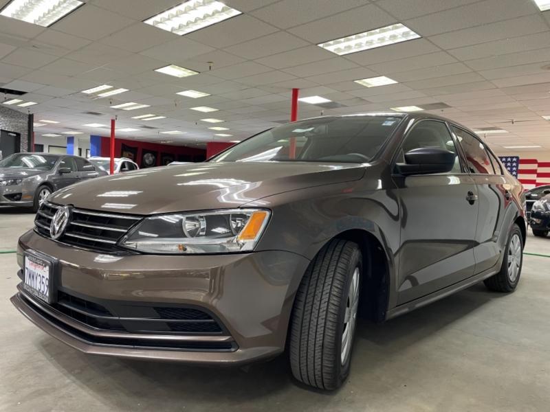 Volkswagen Jetta 2.0L S 2015 price $13,800