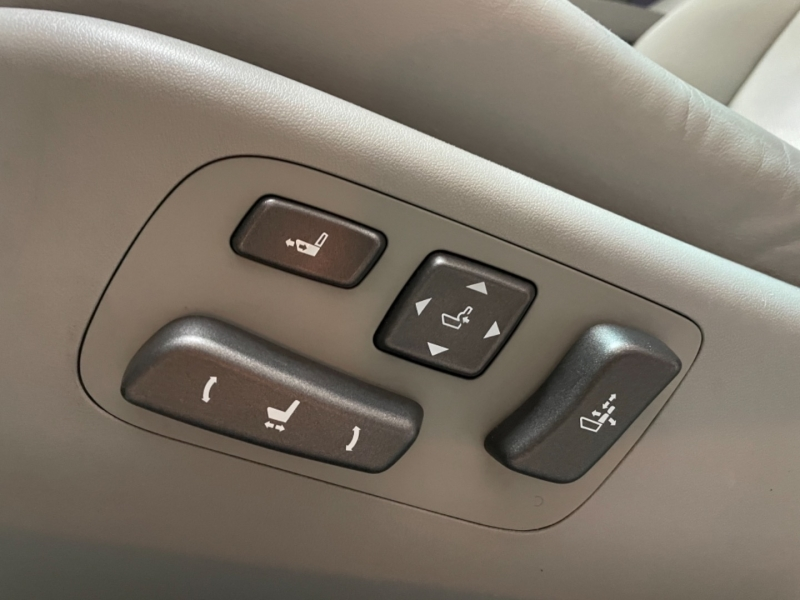 Lexus LS 460 2007 price $13,000