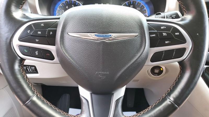 Chrysler Pacifica 2019 price $24,991