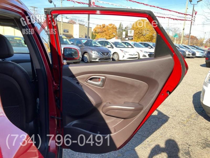Hyundai Tucson 2011 price $8,991
