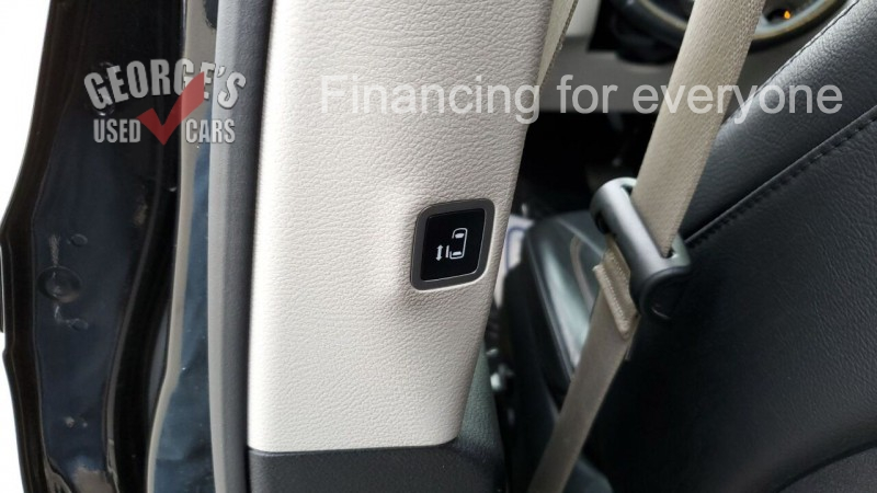 Chrysler Pacifica 2019 price Call for Pricing.