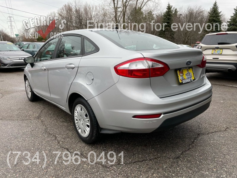 Ford Fiesta 2016 price Call for Pricing.