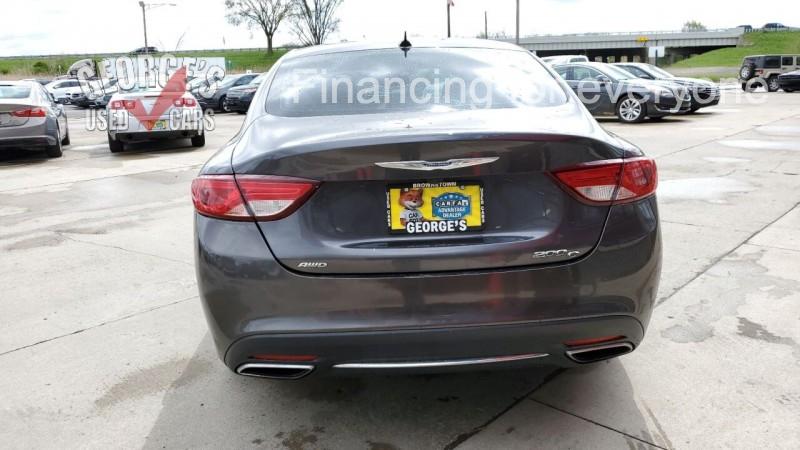 Chrysler 200 2016 price $13,991