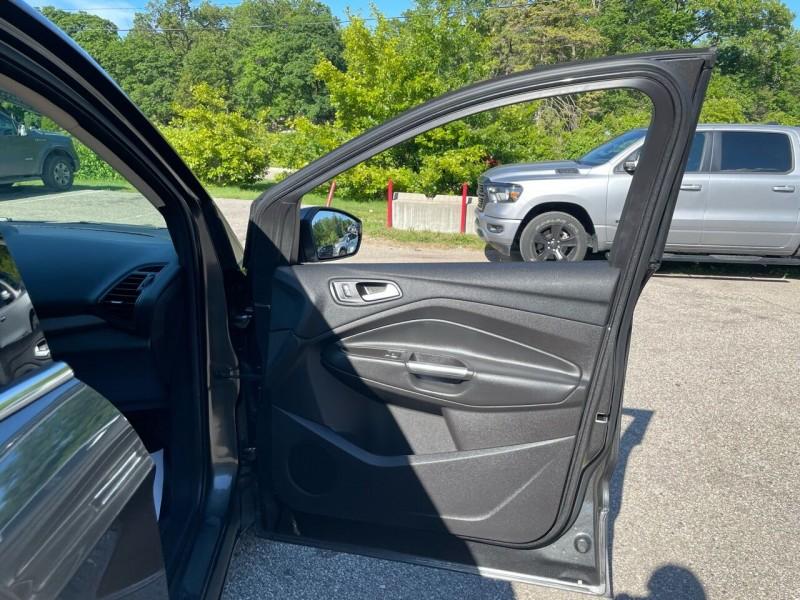 Ford Escape 2018 price $17,991