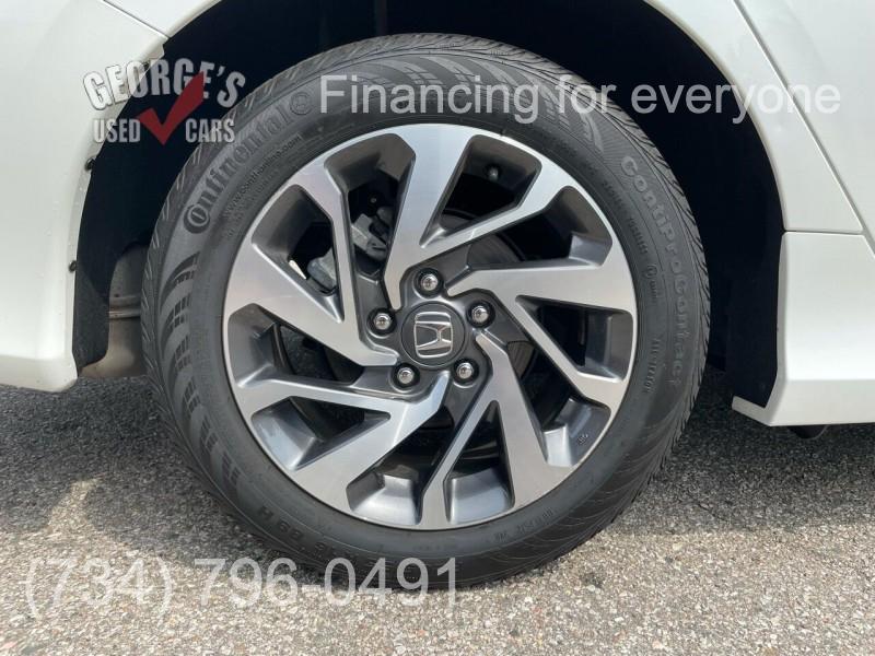 Honda Civic 2018 price Call for Pricing.