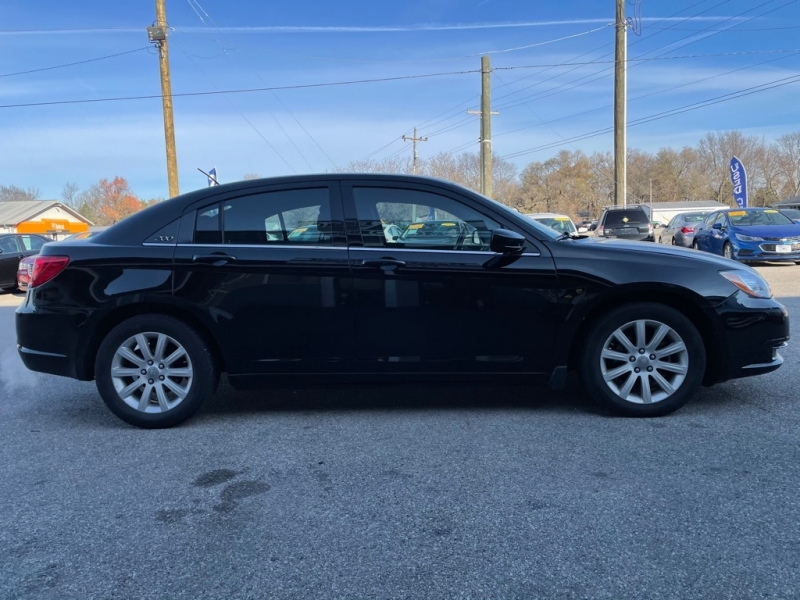 CHRYSLER 200 2012 price $5,800