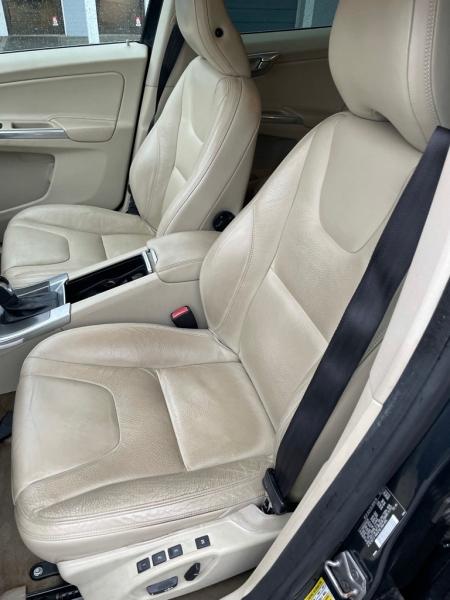 VOLVO XC60 2014 price $14,200