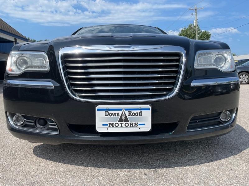CHRYSLER 300 2012 price $10,200
