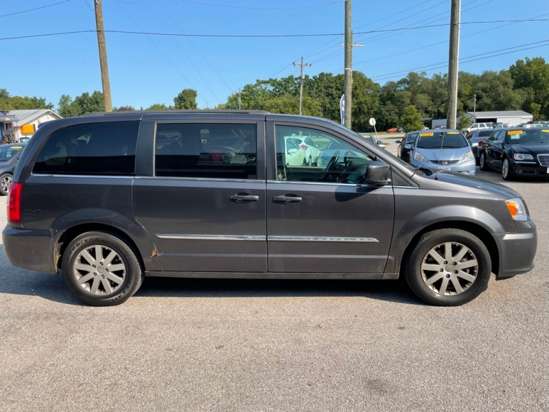 CHRYSLER TOWN & COUNTRY 2015 price $13,860