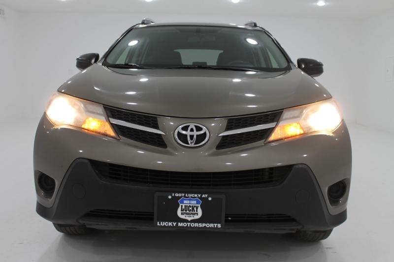 TOYOTA RAV4 2015 price $17,777