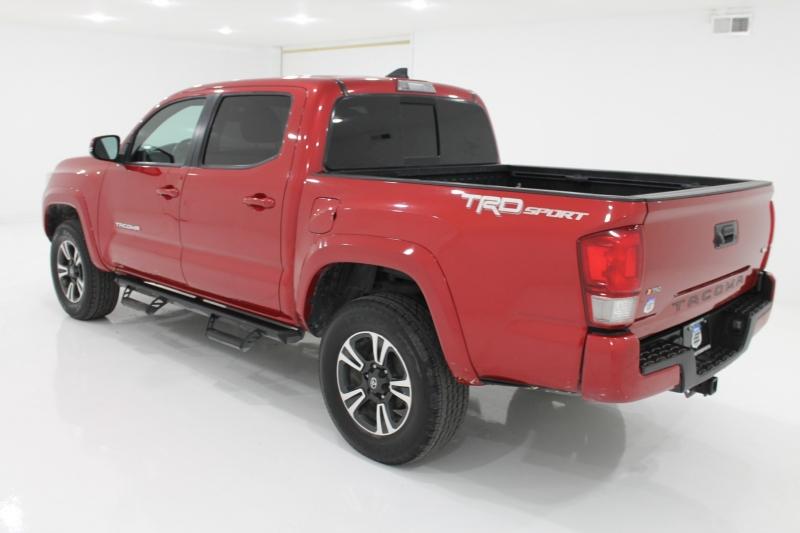 TOYOTA TACOMA 2017 price $37,777