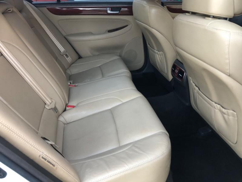 Hyundai Genesis 2013 price $7,988