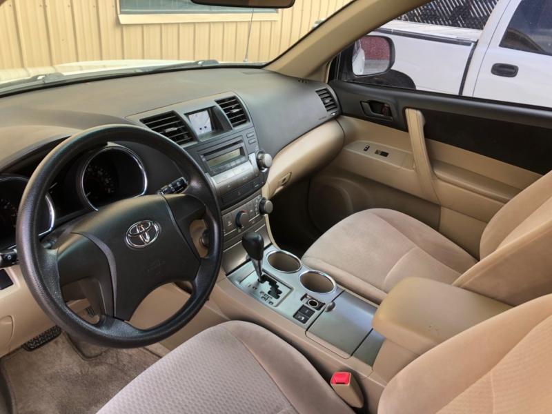 Toyota Highlander 2008 price $9,988