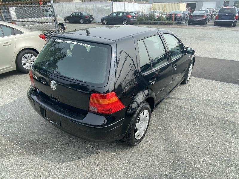 Volkswagen Golf 2005 price $3,995
