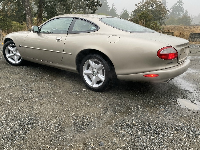 Jaguar XK8 1997 price $5,995