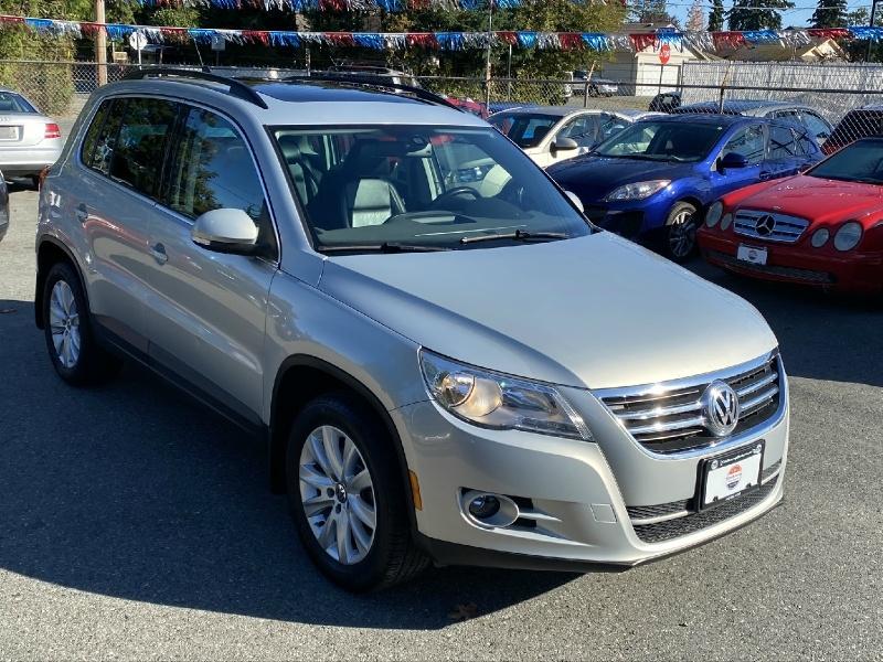 Volkswagen Tiguan 2010 price $10,995