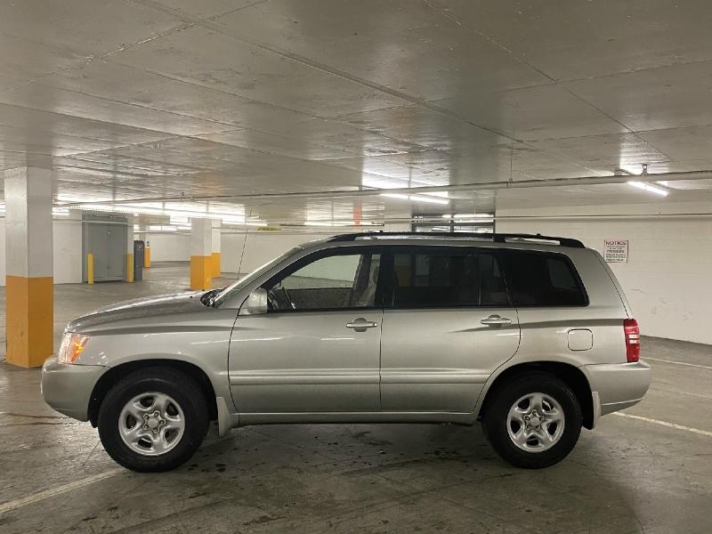Toyota Highlander 2002 price $4,995