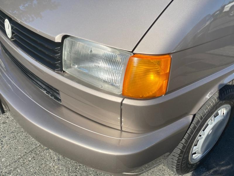 Volkswagen Eurovan 1995 price $9,995