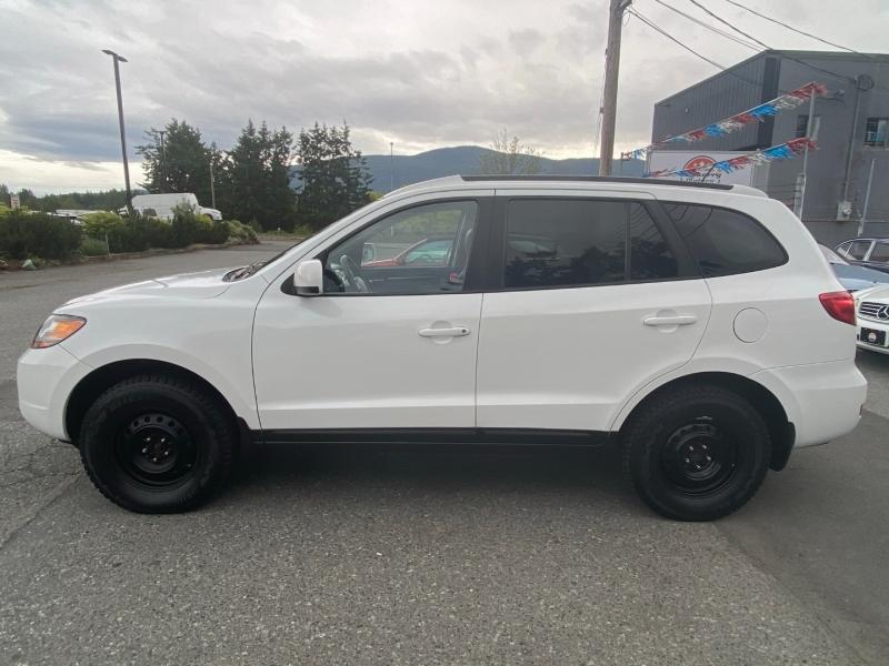 Hyundai Santa Fe 2009 price $8,995