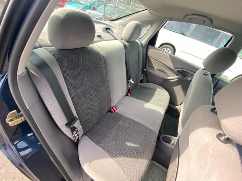 Ford Focus 2003 price $2,995