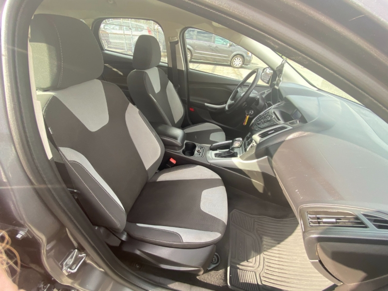 Ford Focus 2013 price $8,995