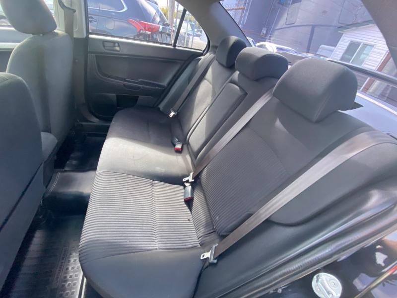 Mitsubishi Lancer 2015 price $7,495