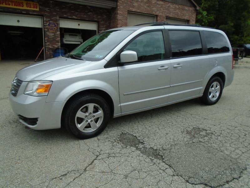 Dodge Grand Caravan 2010 price $8,500